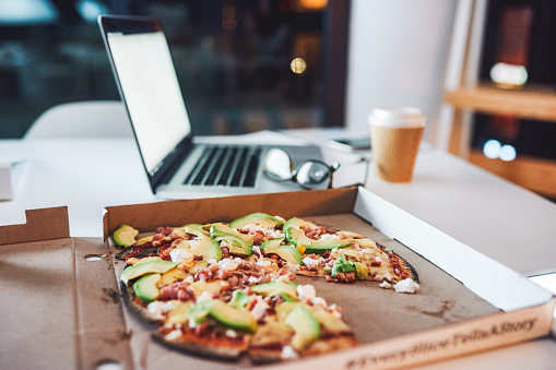 Zoom Effect「Pizza's got your productivity covered」:スマホ壁紙(7)