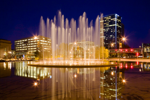 Downtown District「Bloch Memorial Fountain and Washington Square Park, Kansas City Missouri」:スマホ壁紙(10)