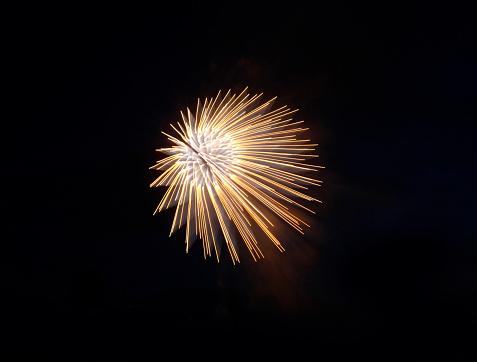 花火「digital altered fireworks resembling digital world」:スマホ壁紙(12)