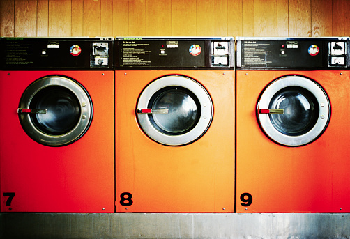 Continuity「Three Washing Machines」:スマホ壁紙(19)