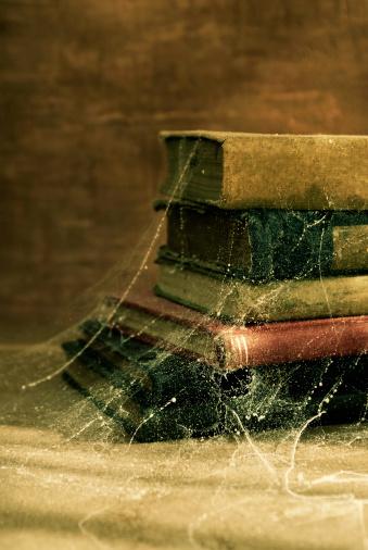 Dust「Antique Old Books Covered in Cobwebs」:スマホ壁紙(12)