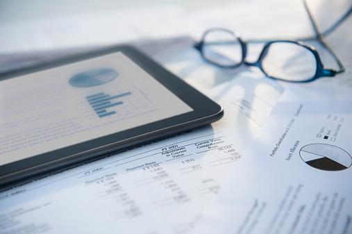 Digital Tablet「Digital tablet with stock market data」:スマホ壁紙(5)