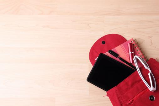Clutch Bag「Digital Tablet in  Woman's Bag Backpack」:スマホ壁紙(0)