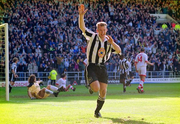 Celebration「Newcastle United v Sunderland Premier League 1997」:写真・画像(12)[壁紙.com]