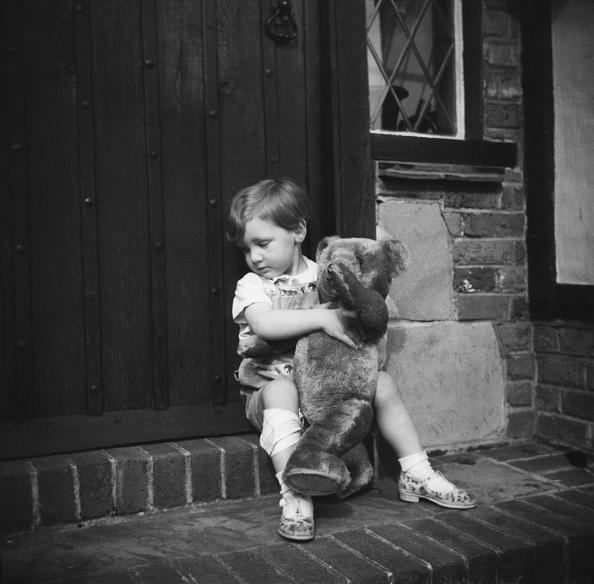 Wrapped「Boy With Large Teddy Bear」:写真・画像(9)[壁紙.com]