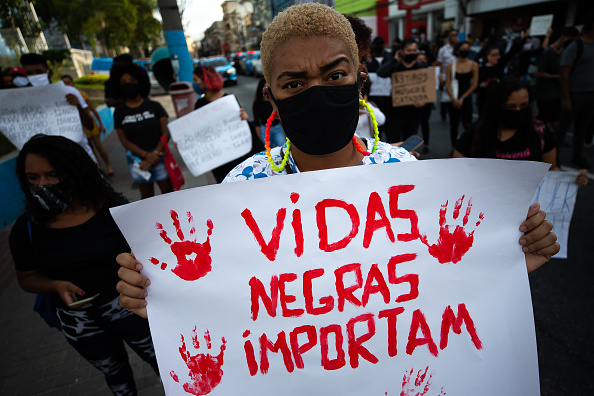 Latin America「Black Lives Matter Protest in Sao Goncalo Amidst the Coronavirus (COVID - 19) Pandemic」:写真・画像(6)[壁紙.com]