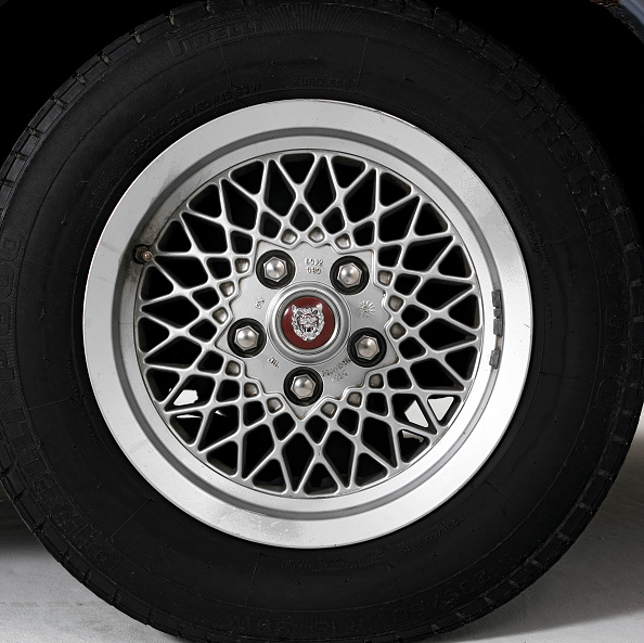 Wheel「1991 Jaguar XJS V12」:写真・画像(10)[壁紙.com]