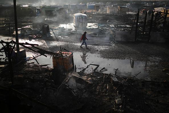 Calais「Migrants Leave The Jungle Refugee Camp In Calais」:写真・画像(16)[壁紙.com]