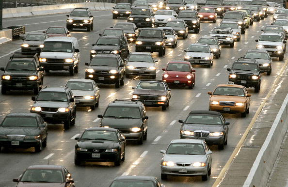 Traffic「Holiday Travelers Begin Thanksgiving Exodus」:写真・画像(0)[壁紙.com]