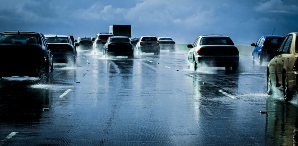 Driving「Heavy traffic , wet road」:スマホ壁紙(13)