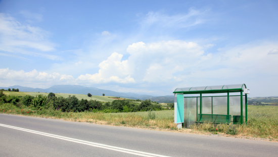 Bus Stop「Bus stop in the countryside」:スマホ壁紙(13)