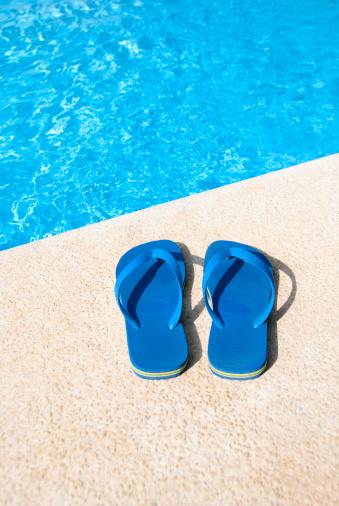 Flip-Flop「Flip Flops at the Pool」:スマホ壁紙(5)