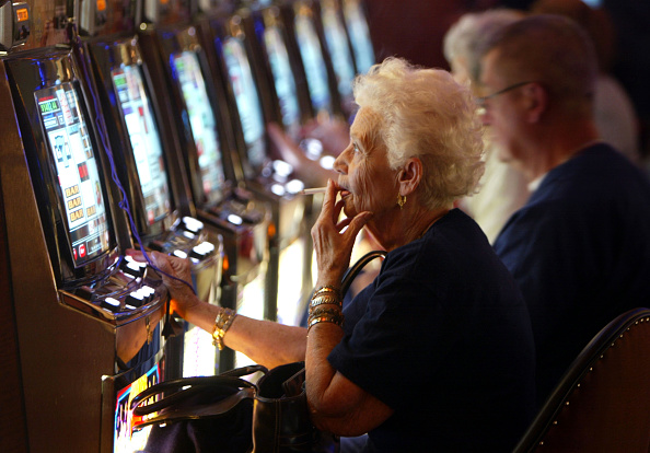 Joe Raedle「Seminole Hard Rock Hotel and Casino Opens In South Florida」:写真・画像(15)[壁紙.com]