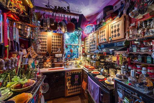 Surreal「Amazingly Decorated House Interior」:スマホ壁紙(7)