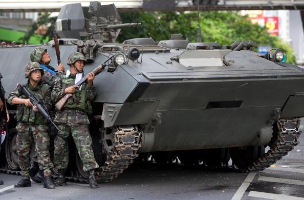 Paula Bronstein「THA: Thai Army Moves Against Redshirt Protesters」:写真・画像(7)[壁紙.com]