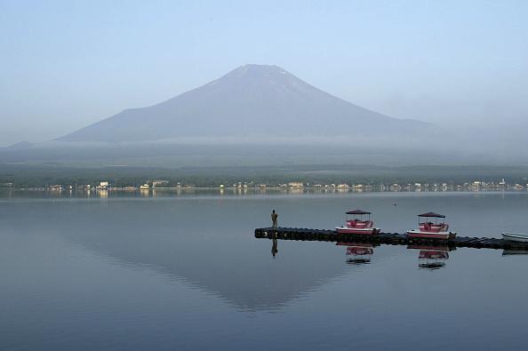 富士山「Mount Fuji is Opened For The Climbing Season」:写真・画像(10)[壁紙.com]
