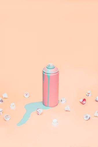 Spraying「Still life of pink spray can」:スマホ壁紙(15)