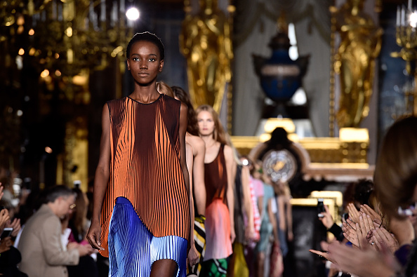 Collection「Stella McCartney : Runway - Paris Fashion Week Womenswear Spring/Summer 2016」:写真・画像(3)[壁紙.com]