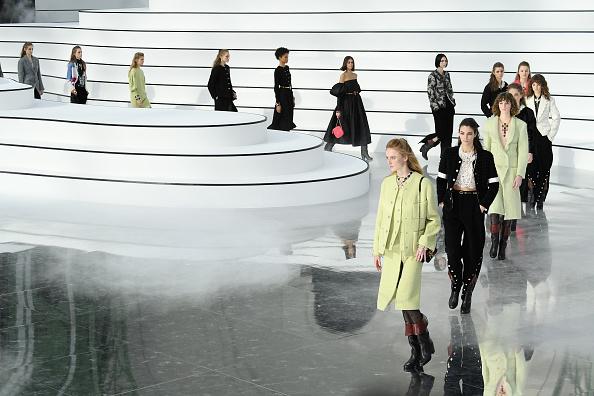 Chanel「Chanel : Runway - Paris Fashion Week Womenswear Fall/Winter 2020/2021」:写真・画像(13)[壁紙.com]