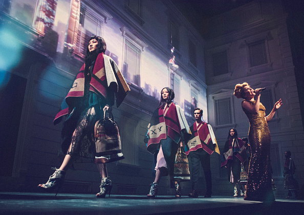 Burberry「Burberry Brings London To Shanghai - Inside」:写真・画像(6)[壁紙.com]