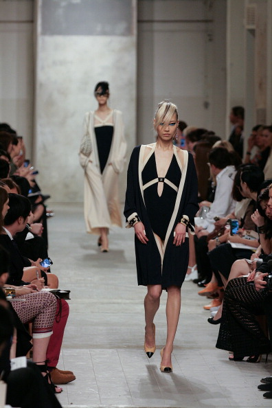Model - Object「Karl Lagerfeld Unveils His Cruise 2013/14 Collection For Chanel」:写真・画像(1)[壁紙.com]