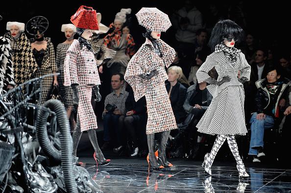 Alexander McQueen - Designer Label「Alexander McQueen: Paris Fashion Week Ready-to-Wear A/W 09」:写真・画像(9)[壁紙.com]