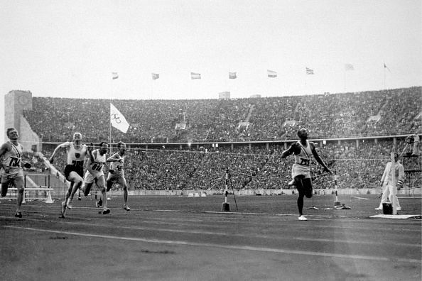 The Olympic Games「Owens Wins 100m」:写真・画像(16)[壁紙.com]