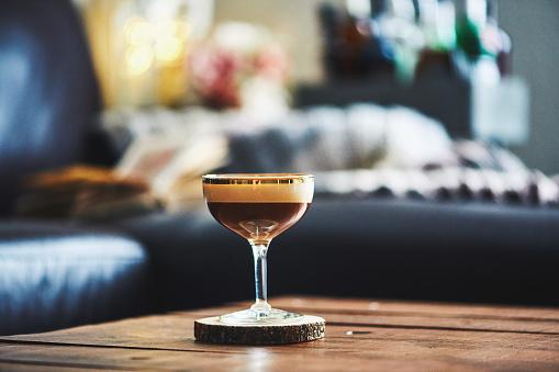 Martini「Espresso martini cocktail on coffee table in indoor setting」:スマホ壁紙(14)