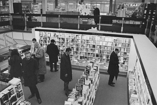 Choosing「Penguin Books Shop」:写真・画像(11)[壁紙.com]