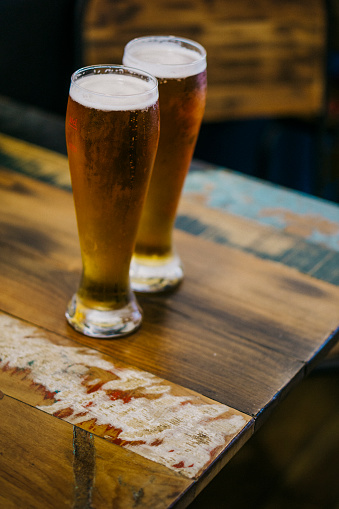 Beer Tap「Shot outside, at night, close up of two cold beers on a Fort de France terrace of a sidewalk cafe bar.」:スマホ壁紙(6)