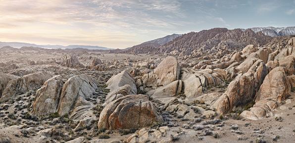 Dramatic Landscape「Rocky Landscape at runsire」:スマホ壁紙(1)