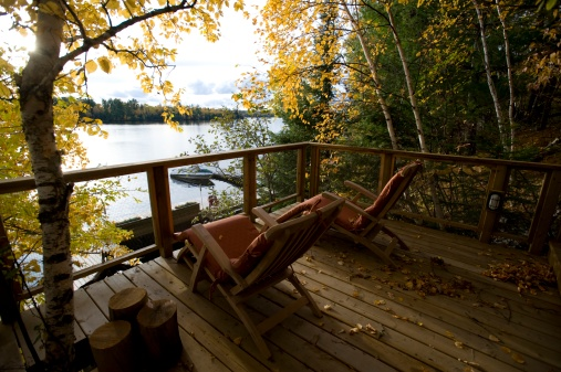 Adirondack Chair「Cottage deck and autumn foliage, Lake of the Woods, Ontario, Canada」:スマホ壁紙(13)