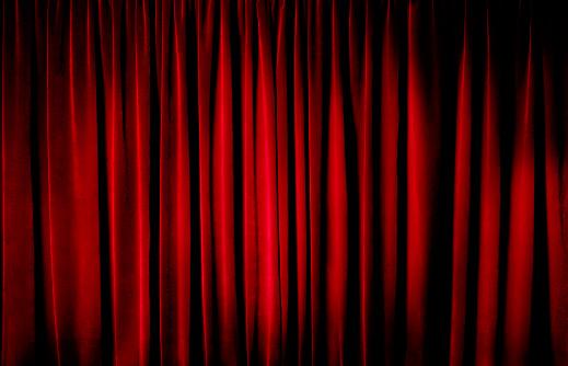 Anticipation「Darkly lit theatre curtains」:スマホ壁紙(5)