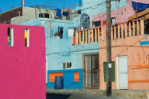 Mexico「Colourful abstract street scene on Isla Mujeres」:スマホ壁紙(0)