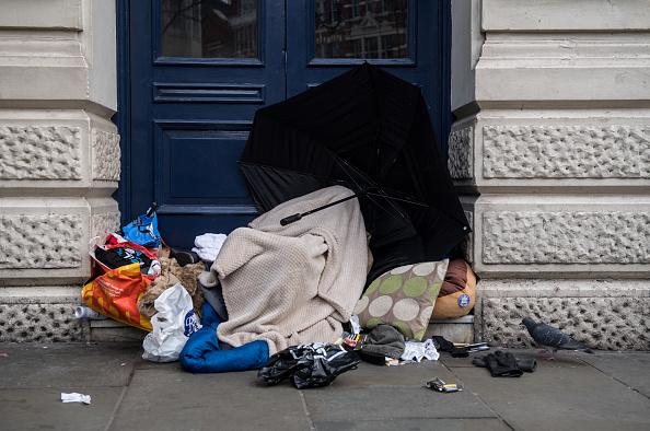 Homelessness「Homeless Struggle During Christmas Cold Spell」:写真・画像(17)[壁紙.com]