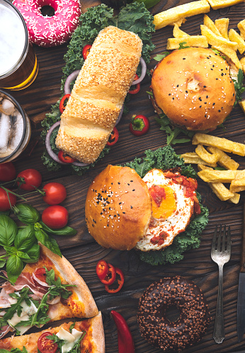 Cheeseburger「Picnic Table full of food」:スマホ壁紙(11)