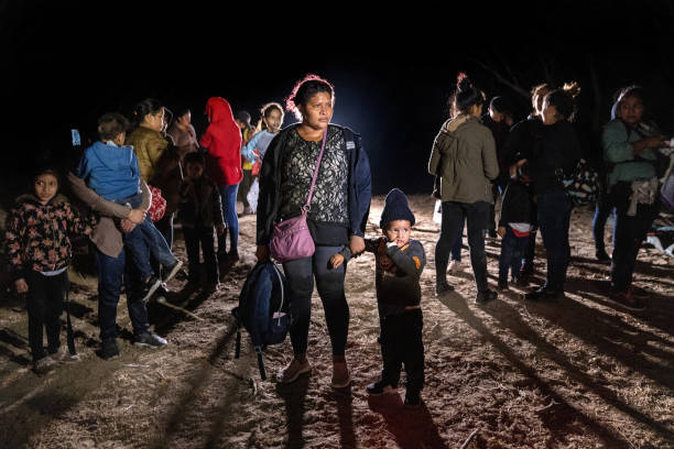 Migrants Cross Into Texas From Mexico:ニュース(壁紙.com)