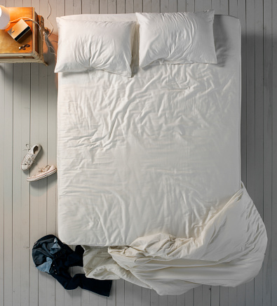 Motel「Empty Messy Bed」:スマホ壁紙(3)