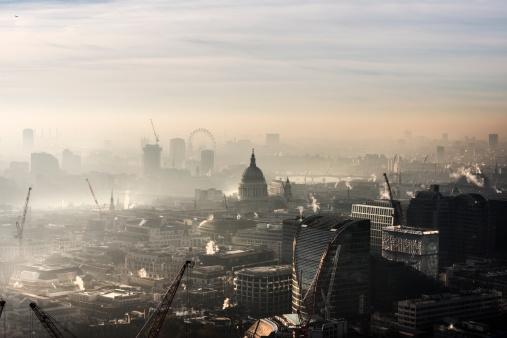 Air Pollution「Aerial of St Paul's in the fog」:スマホ壁紙(0)