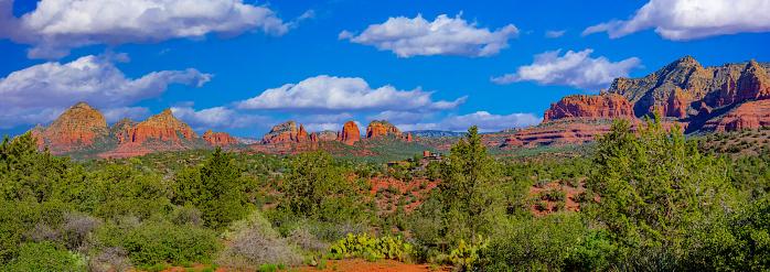 Sedona「Springtime  overview of red rocks at Sedona AZ」:スマホ壁紙(11)