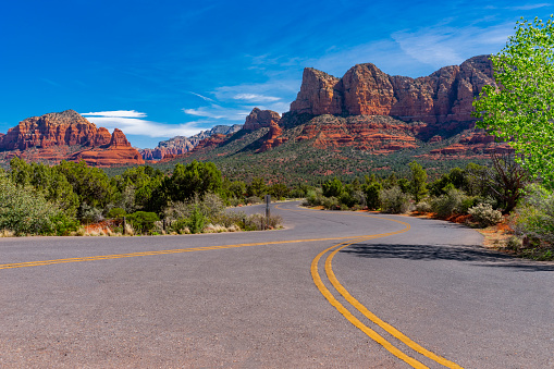 Sedona「Springtime  overview of red rocks at Sedona AZ (P)」:スマホ壁紙(11)