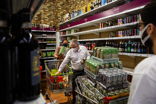 Alcohol - Drink「Thailand Imposes Ban On Alcohol Sales To Contain Spread Of The Coronavirus」:写真・画像(17)[壁紙.com]