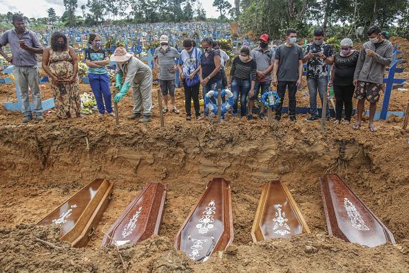 Brazil「Coronavirus Pandemic Overwhelms Brazilian City Of Manaus」:写真・画像(9)[壁紙.com]