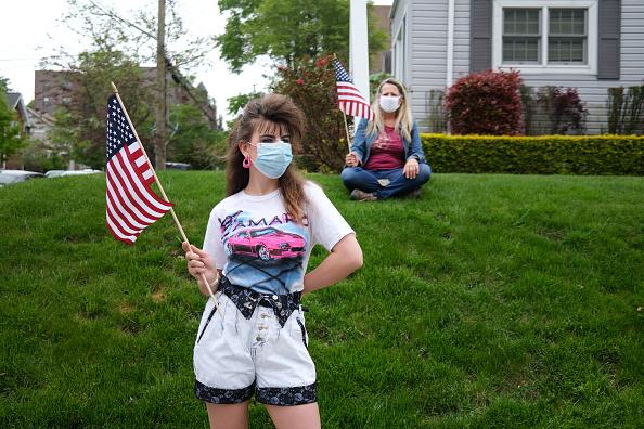Patriotism「Veterans Parade Held On Staten Island For Memorial Day During Pandemic」:写真・画像(14)[壁紙.com]