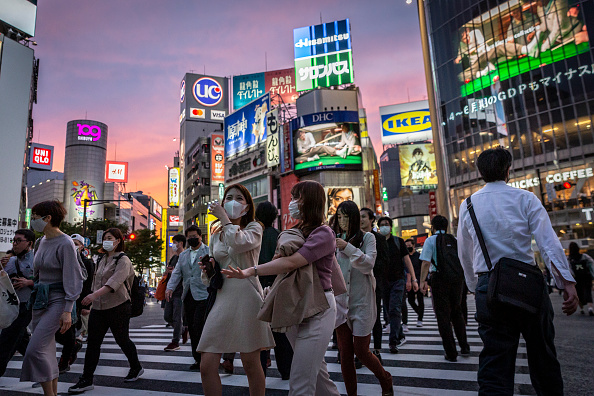 Tokyo - Japan「Japan's State Of Emergency Extended Amid A Fourth Wave Of Coronavirus」:写真・画像(8)[壁紙.com]