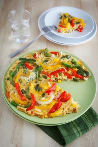 Red Bell Pepper「Plate of Spanish pepper omelette on table」:スマホ壁紙(5)