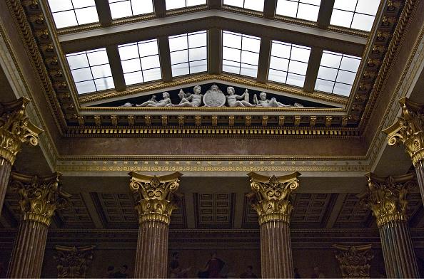 Austrian Culture「The Portico In Österreichichen Parliament Building」:写真・画像(1)[壁紙.com]