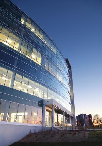 Convention Center「Modern Entreprise Exterior at Sunset」:スマホ壁紙(8)