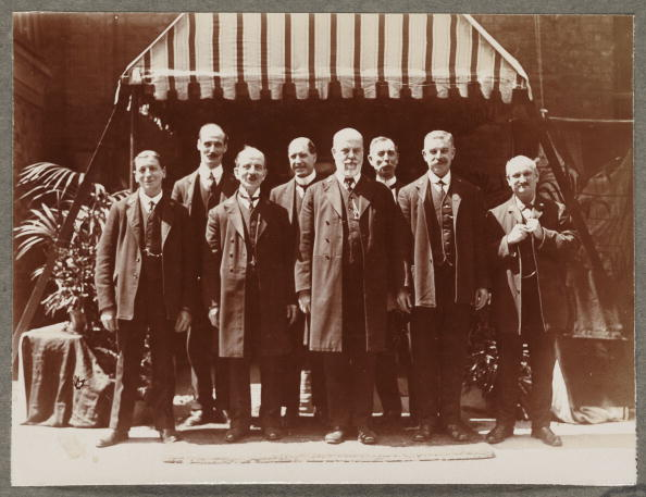 George Foreman「A Few of the Employees..., 1916.」:写真・画像(2)[壁紙.com]