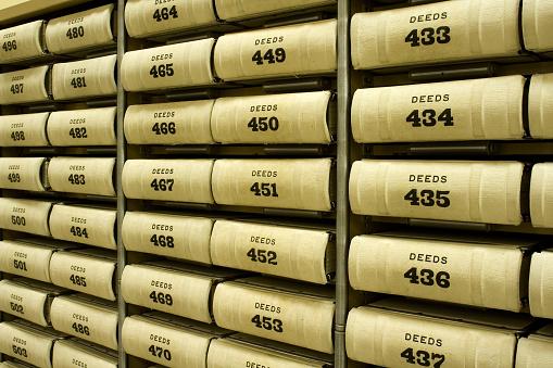 Deed「A Shelf full of numbered deeds」:スマホ壁紙(8)